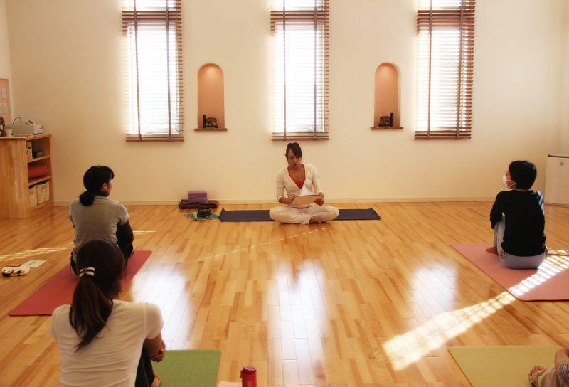 Yoga Studio H&B はじめてのヨガ体験クラス