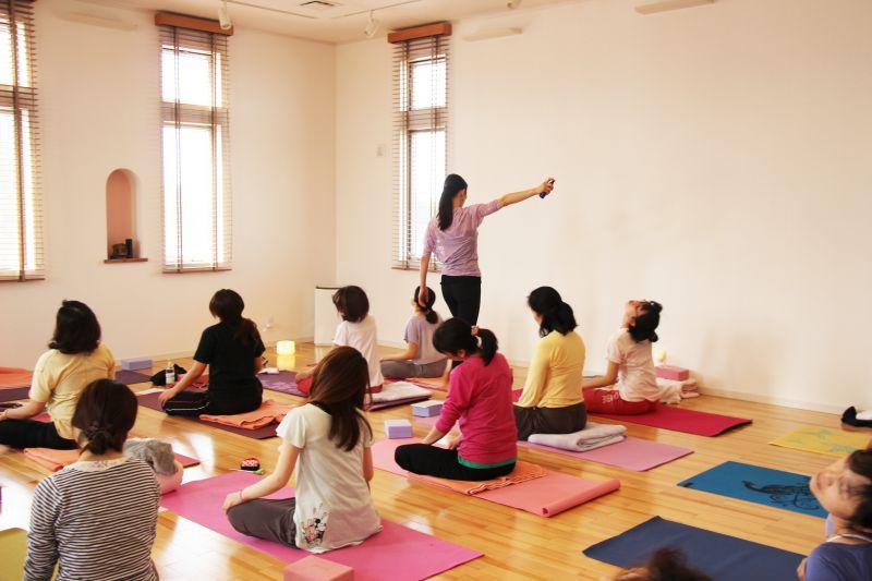 Yoga Studio H&B アロマリンパデトックスヨガ